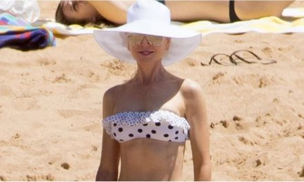 Nicole Kidman ' s Bikini Has All of the Frills and also All of the …