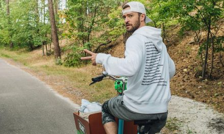 Justin Timberlake on a Bicycle – Yes… Riding a Bicycle