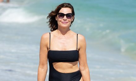 Luann De Lesseps Looks Stunning In Cutout Swimsuit At 53– See Se …