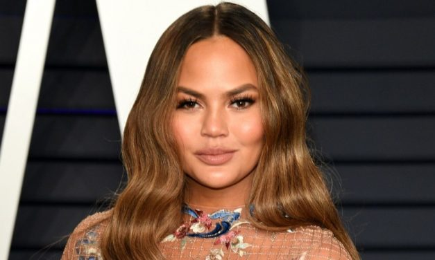 Chrissy Teigen Says She's 20Lbs Heavier Than Before Having Son …