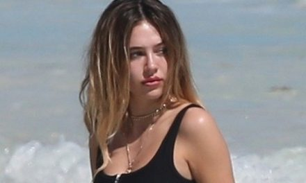 Delilah Belle Hamlin, 21, Looks Hot In Bikini While Mom Lisa Rinn …