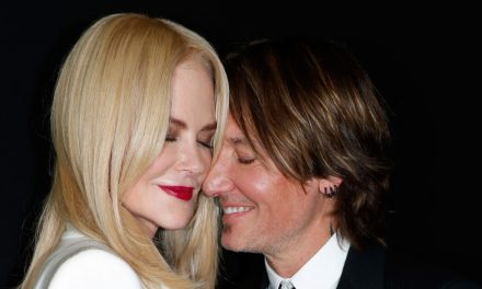 Nicole Kidman as well as Keith Urban Cozy Up During Paris Fashion Week– …