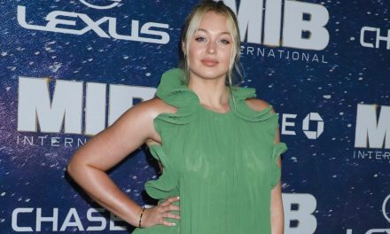 Iskra Lawrence Slams 'Toxic Diet Culture' and also 'UnrealisticBeauty …