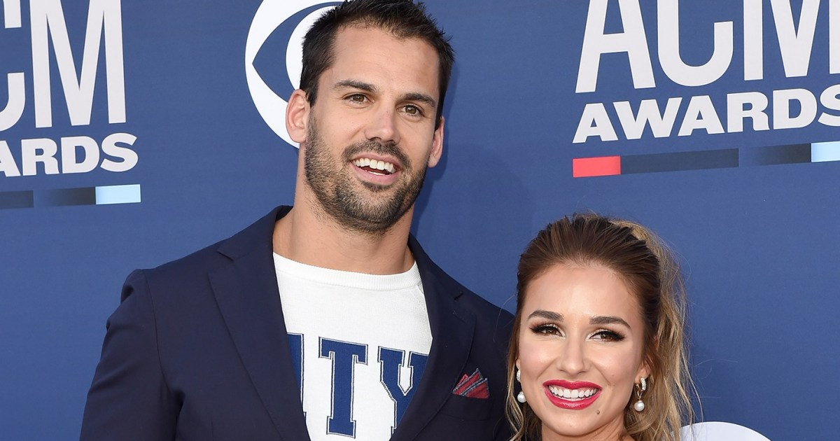 Jessie James Decker as well as Eric's Couples' Beach Pic Is So Relatable
